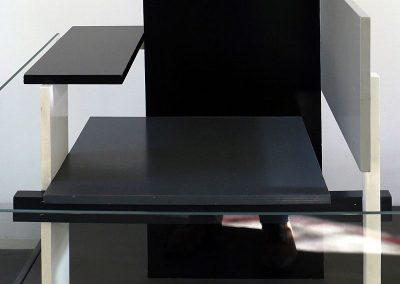 Gerrit_rietveld_(design)_e_gerard_a._van_de_groenekan,_sedia_berlino,_1923_(design,_realizzata_1980)_03